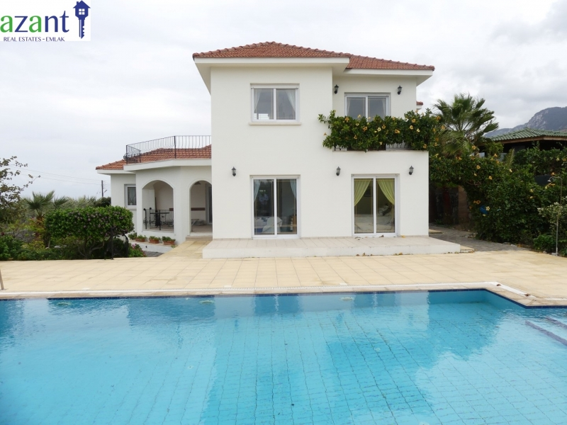 Perfect sea & mountain view 4 bed villa with private pool