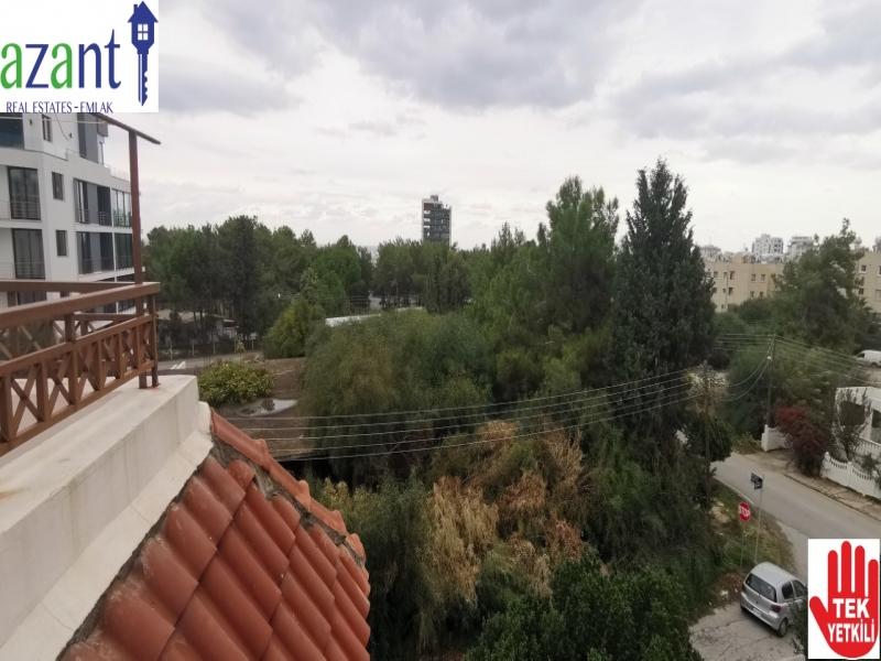 SEA AND MOUNTAIN VIEW PENTHOUSE IN KYRENIA CENTER