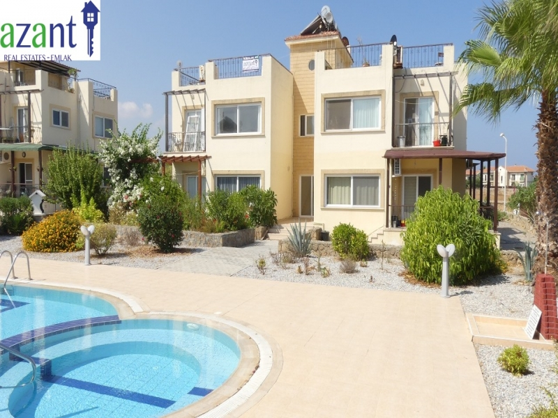2 BEDROOM APARTMENT WITH A PRIVATE ROOF TERRACE AND COMMUNAL POOL