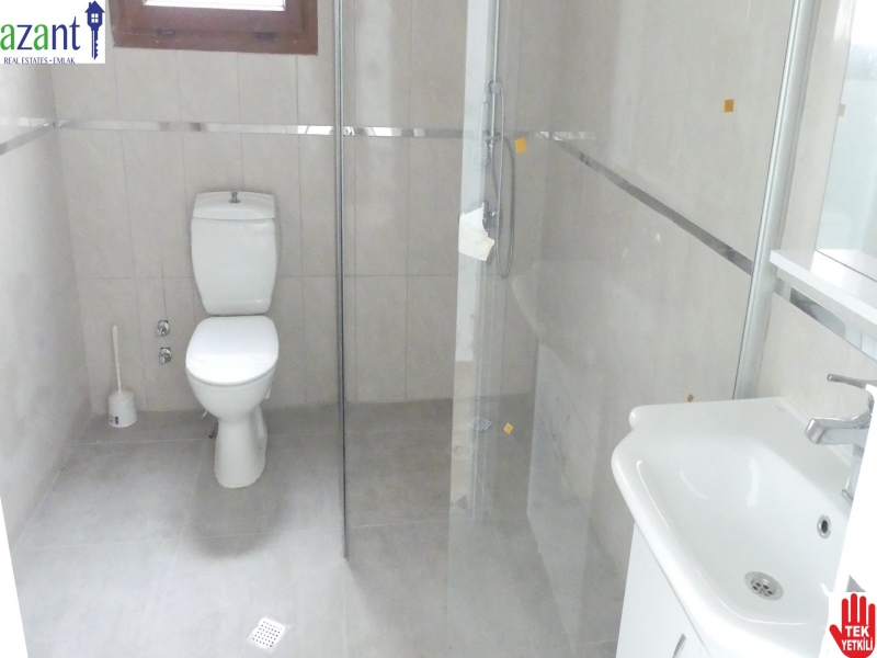 On the second Floor 3 bedroom Apartment in Kyrenia Center