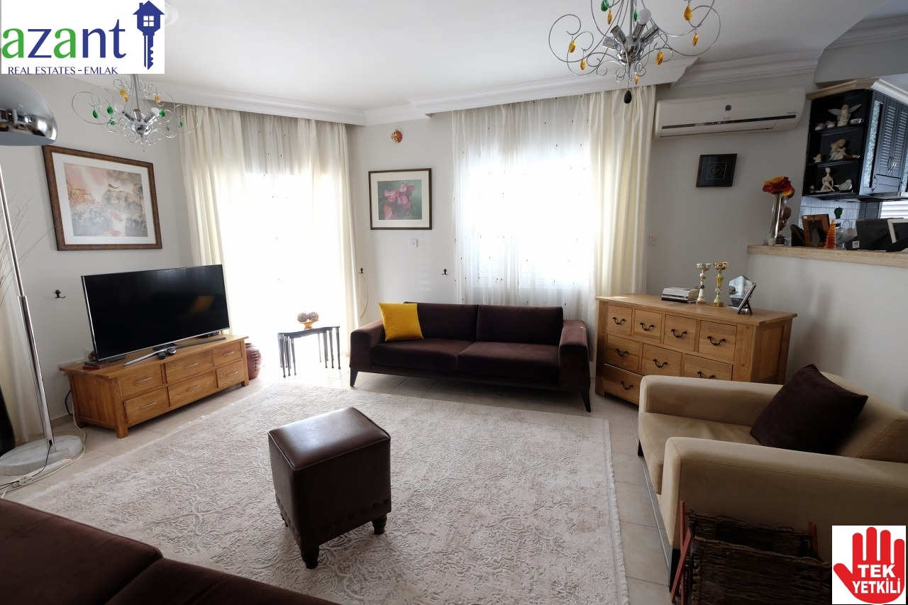 3 BEDROOM APARTMENT IN KYRENIA CENTRE FOR SALE