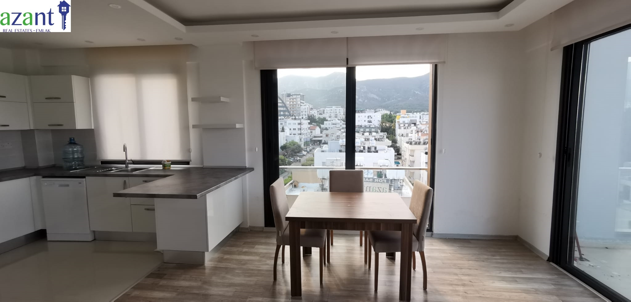 MODERN 2 BEDROOM APARTMENT IN THE HEART OF KYRENIA
